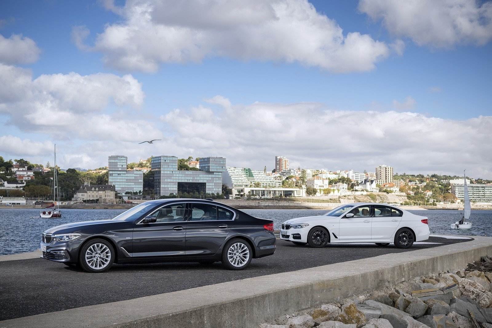 BMW 530d xDrive BMW 540i sDrive