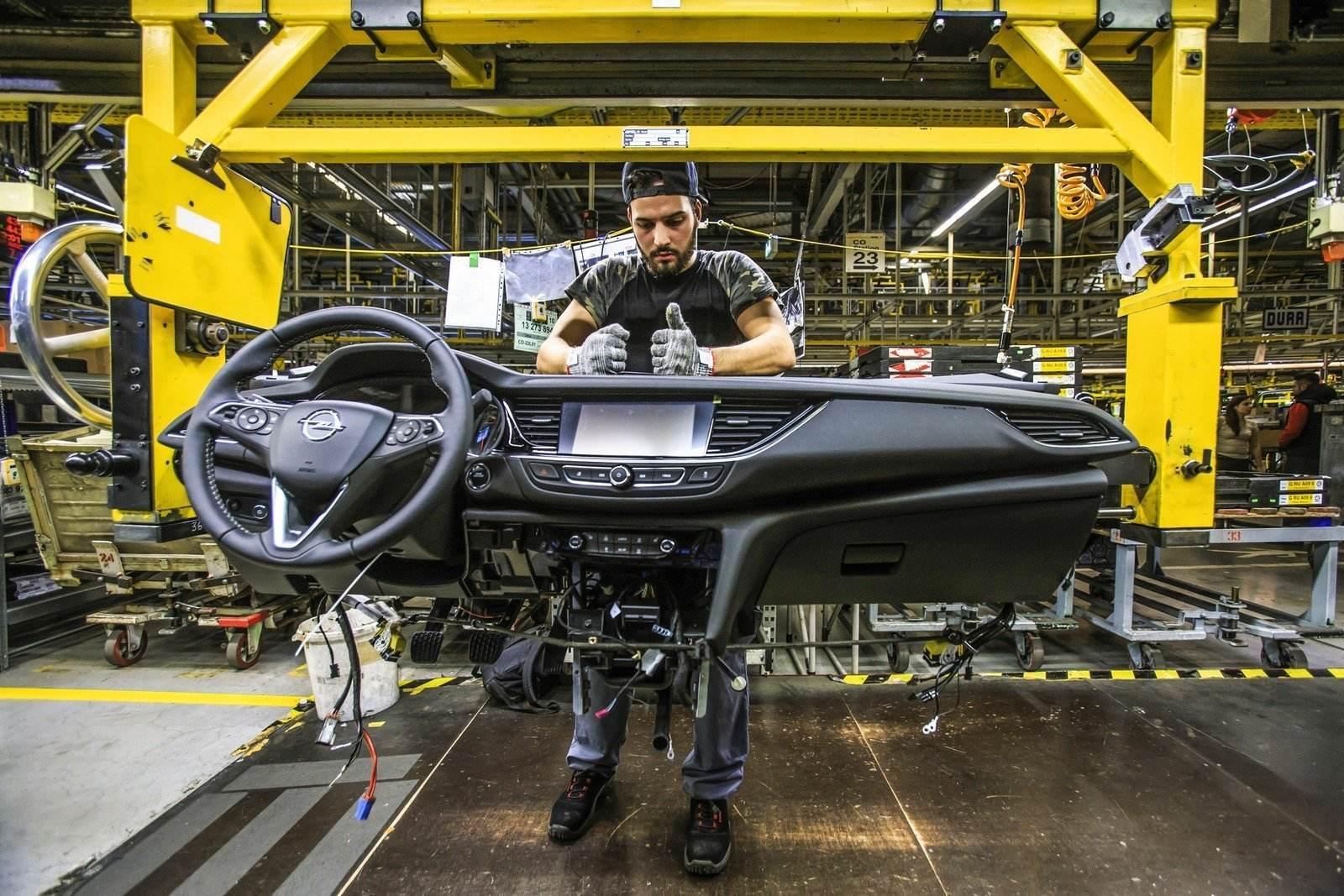 Opel Insignia Produktion im Opelwerk Rüsselsheim